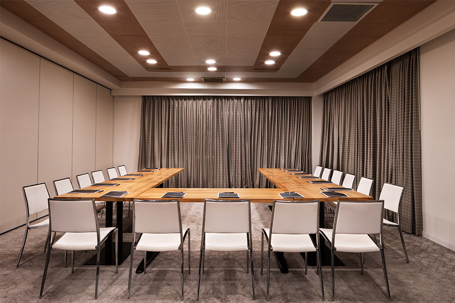 The-Setai-Sea-of-Galilee-Meeting-Room